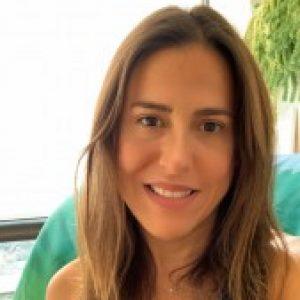 Profile picture of Julia Rezende