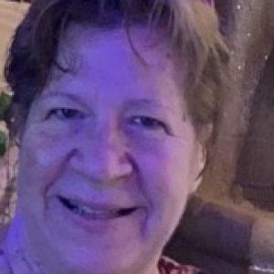 Profile picture of Beth Mazzouccolo